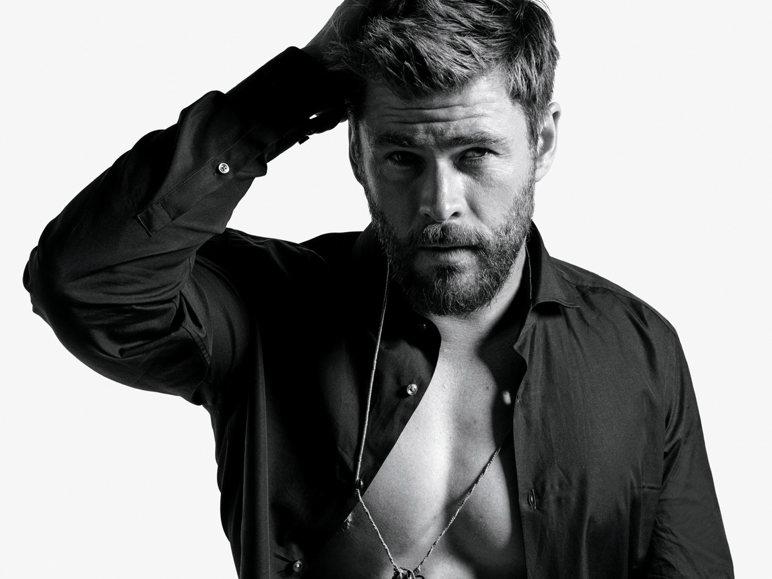 Chris Hemsworth Proves His Love For India and THIS Bollywood Superstar Once Again
