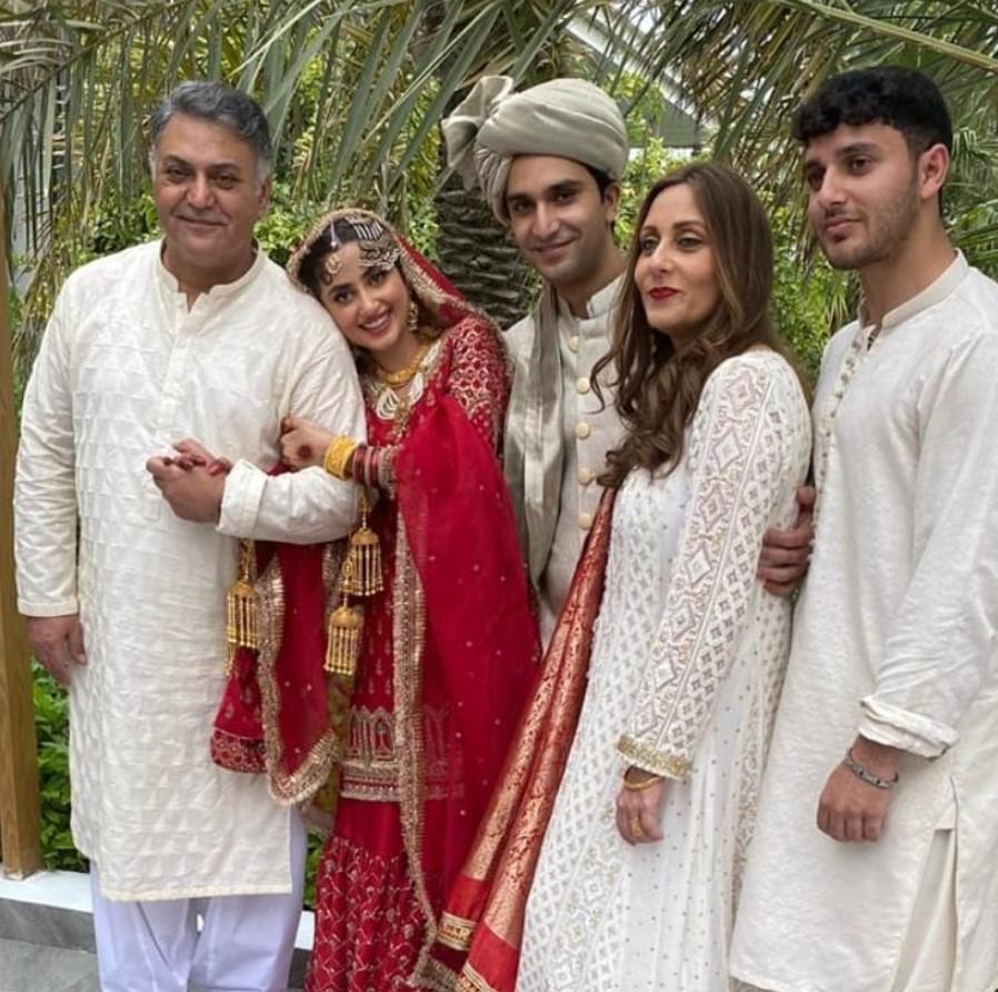Sajal Ali Wedding Pics - Ahad Raza Mir and Sajal Ali and the family