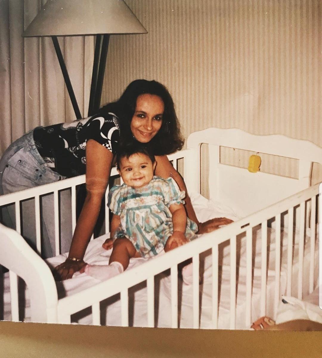 Soni Razdan with baby Alia Bhatt