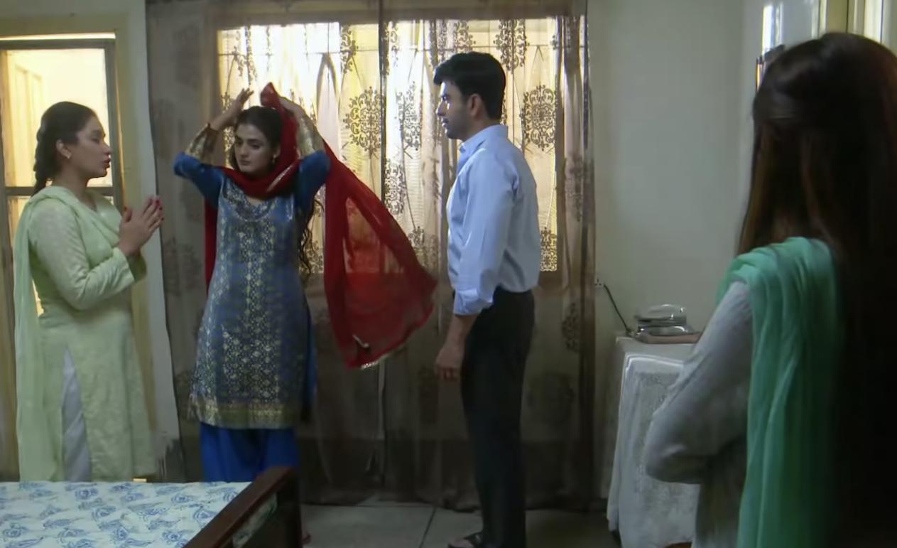 Junaid Khan, Hira Mani and Hajra Khan in Kashf