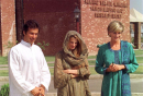 Princess Diana opted for traditional wear during her official trips to Pakistan