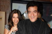 Jeetendra and family planning to sue police