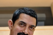 Is Aamir the new Munnabhai?