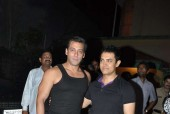 Aamir Khan Challenges Salman Khan. Will Salman Accept the Dare?