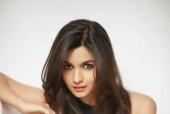 Alia Bhatt Impresses Hollywood Hottie Ashton Kutcher