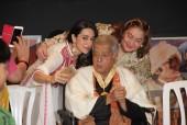 The Kapoors, Bachchans, Rekha Come Together to Felicitate Shashi Kapoor at the Dadasaheb Phalke Award Ceremony