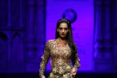 Star Spotting: Sonam Kapoor, Deepika Padukone, Akshay Kumar and MORE