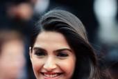 Sonam Kapoor Reveals Her Relationship Status!