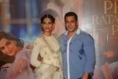 Salman Khan And Sonam Kapoor At Prem Ratan Dhan Payo Trailer Launch!