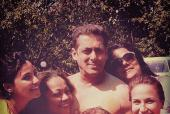 When Salman Khan Decided to Go Topless For Holi!
