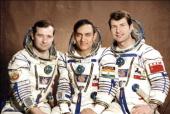 No Joke! Aamir Khan's Off to Space!