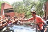 Hrithik Roshan is Leaving No Stone Unturned to Promote Mohenjo Daro