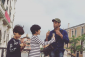 Hrithik Roshan Shares an ADORABLE Pic with his Sons