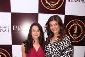 Star Spotting: Preity Zinta, Sushmita Sen, Shilpa Shetty and Nargis Fakhri