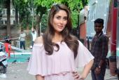 Kareena Kapoor Khan Doesn't Want To Hold A Baby Shower?