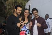 Spotted: Deepika Padukone, Sonakshi Sinha And Vidya Balan!