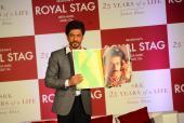 Shah Rukh Khan Launches His Biography Written By Samar Khan!
