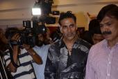 Star Spotting: Akshay Kumar, Amitabh Bachchan, Shahid Kapoor and Mira Kapoor