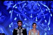 Mijwan 2018: Highlights From the Show Where Deepika Padukone And Ranbir Kapoor Turn Showstoppers for Manish Malhotra