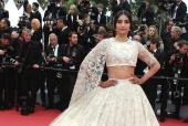 Cannes 2018: Sonam Kapoor Takes the Cannes Red Carpet by the Storm with Her Appearance!