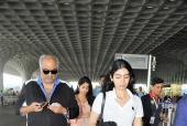 Star Spotting: Boney Kapoor with Janhvi and Khushi Travel Together, Deepika Padukone-Ranveer Singh at the Airport and Sara Ali Khan Snapped!