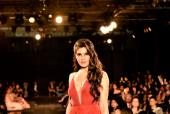 Star Spotting: Jacqueline Fernandes Looks Smoking Hot In Red, Shah Rukh Khan At An Event and Janhvi Kapoor Clicked