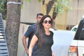 Star Spotting: Kareena Kapoor Visits Her Karisma Kapoor, Saif Ali Khan-Sidharth Malhotra At The Airport and Deepika Padukone Clicked