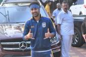 Star Spotting: Ranbir Kapoor at the Football Ground, Kriti Sanon Looks Stylish and Ranveer-Deepika Papped!