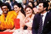 Ranbir Kapoor and Alia Bhatt Share an Awkward (Cute) Kiss; the Video Takes the Internet by Storm