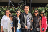 Kareena Kapoor, Karisma Kapoor Clan Makes for the Perfect Family in Their Latest Picture