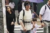 Shah Rukh Khan, Suhana, Aryan and AbRam Spotted Vacationing in the Maldives!