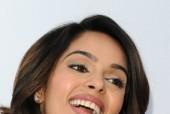 Mallika Sherawat Wants to Romance Rajinikanth!