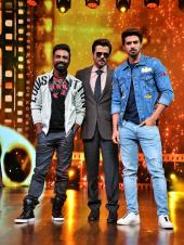 Race 3 Promotions: Salman Khan, Anil Kapoor and Jacqueline Fernandez Take to Dance India Dance Li'l Masters Stage to Promote 'Race 3'