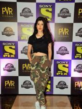 Star Spotting: Shanaya Kapoor At a Premiere, Janhvi Kapoor Snapped and Kareena Kapoor-Taimur Ali Khan At the Airport