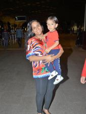 Star Spotting: Arpita Khan and Ahil Twin at the Airport, Janhvi Kapoor-Ishaan Khatter Head to Jaipur for 'Dhadak' Promotions and Khushi Kapoor Snapped!