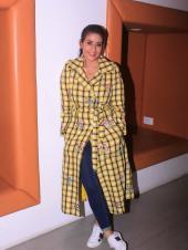 Star Spotting: Manisha Koirala and Ranbir Kapoor Promote 'Sanju', Hrithik Roshan With Children Hrehaan and Hridaan at the Airport and Janhvi Kapoor Snapped!
