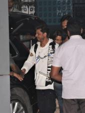 Airport Diaries: Shah Rukh Khan, Sara Ali Khan and Janhvi Kapoor Spotted!