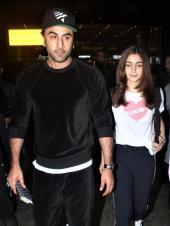 Ranbir Kapoor And Alia Bhatt Arrive Together From New York