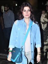 Twinkle Khanna And Akshay Kumar Head Out On A Trip