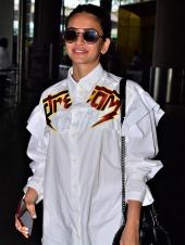 Kriti Kharbanda Rocks Her Airport Look Like A Boss