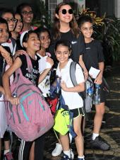 Parineeti Chopra Spotted With Many Young Fans