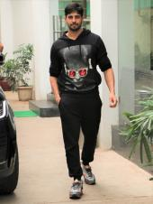 Sidharth Malhotra Looks Dapper in an All-Black Outfit