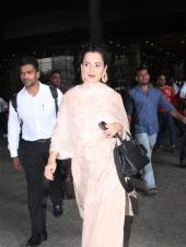 Kangana Ranaut Goes Traditional For Her Airport Look