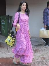 Janhvi Kapoor Gets Papped On Her Way Back From the Gym