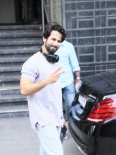 Shahid Kapoor Spotted Outside His Gym!