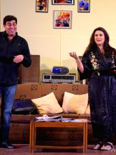 Poonam Dhillon to Take on Dubai Theatre With 'The Perfect Wife'