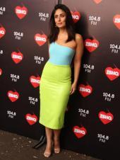 Kareena Kapoor goes neon in latest look