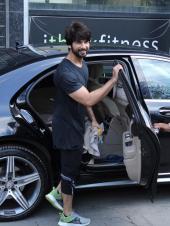 Celeb spotting: Shahid Kapoor, Malaika Arora and Amrita Arora after the gym