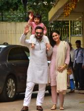 Saif Ali Khan, Kareena Kapoor and Taimur Look Adorable in Matching Outfits