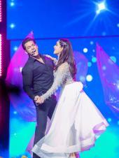 Da-bangg The Tour Reloaded: Salman Khan, Katrina Kaif, Jacqueline Fernandez Go Candid for the Show